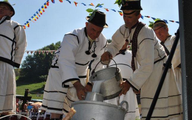 Masurarea laptelui Evenimente si Turism Brasov