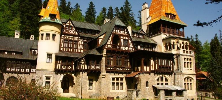 Castelul Pelisor Brasov Atractii si Obiective Turistice