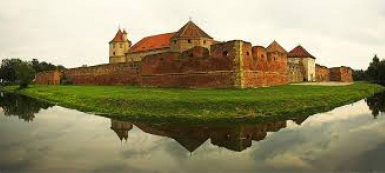 Cetatea Fagarasului Brasov Atractii si Obiective Turistice