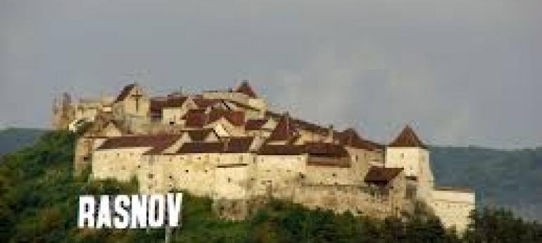 Cetatea Rasnov Brasov Atractii si Obiective Turistice