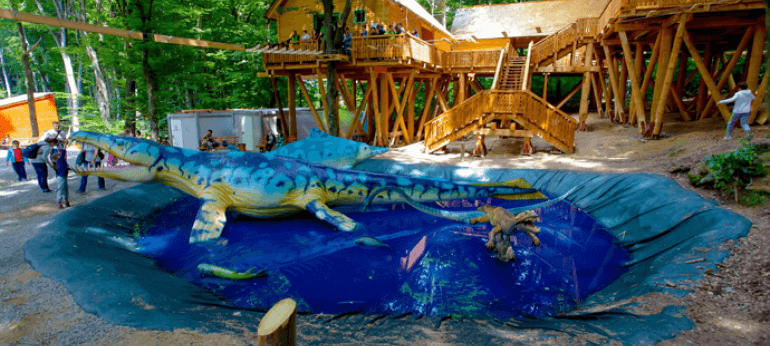 Dino Parc Rasnov Brasov Turism Agrement si Distractie