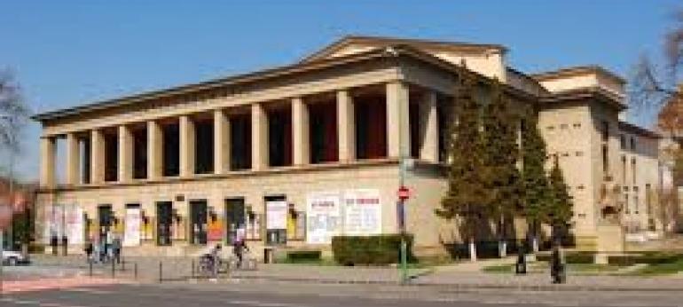 Teatrul Dramatic Brasov Turism si Cultura